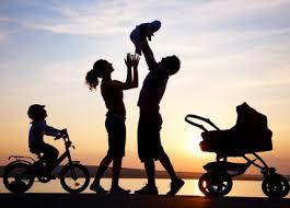famiglia foto bici culla pescia il tuo paese