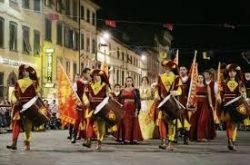 festa sfilata storica pescia il tuo paese