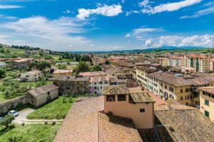 Bellissima visuale dalla cupola del Duomo verso sud su Pescia - il tuo paese