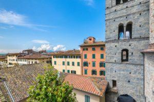 Campanile Duomo durante ristrutturazione pescia il tuo paese