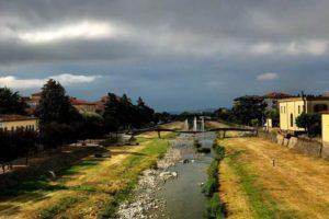 il fiume pescia e le fontane a Pescia