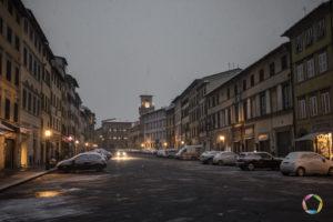 piazza mazzini con la neve pescia