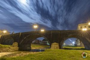 ponte del duomo dal fiume pescia