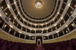Teatro_pacini_vista_dal_basso_pescia
