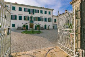 cancello d'ingresso_alla_villa del Castellaccio, Uzzano