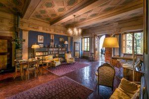 Sala_principale_di_ingresso_alla_villa_del Castellaccio Uzzano