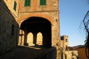 centro storico campanile san quirico valleriana pescia