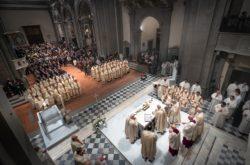 cattedrale consacrazione eucaristica messa apertura giubileo diocesi pescia