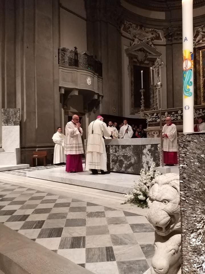 consacrazione altare unzione crisma cattedrale pescia