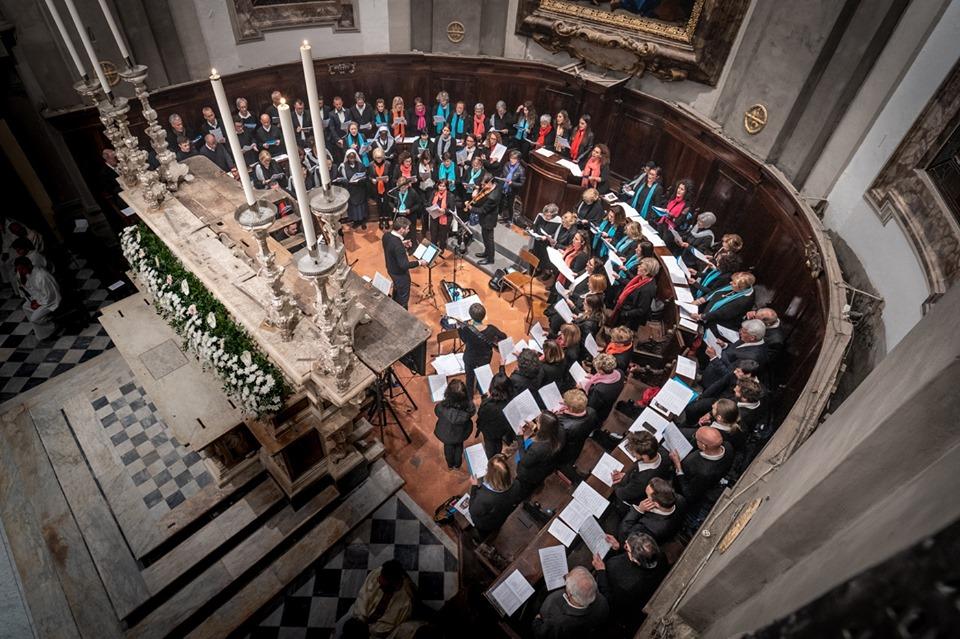 coro dall'alto abside cattedrale pescia