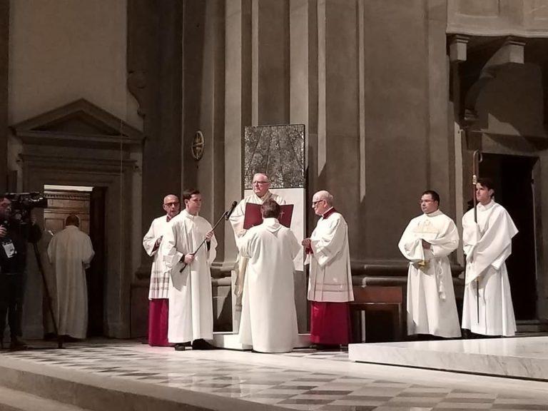 nuova cattedra episcopale cattedrale pescia