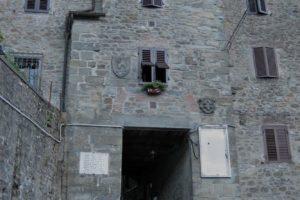 porta della castella castelvecchio pescia