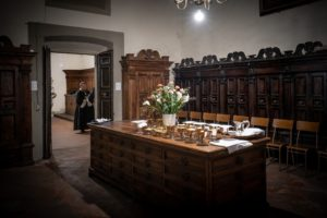 sacrestia con pissidi e calici messa apertura giubileo diocesi pescia