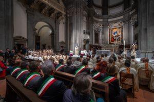 sindaci in panche messa di apertura giubileo 500 anni diocesi pescia