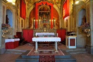 interno chiesa santi bartolomeo e sebastiano collodi pescia