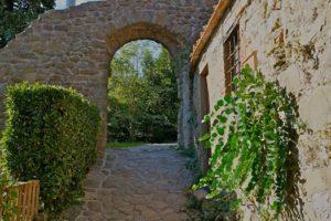 porta villaggio castello collodi pescia