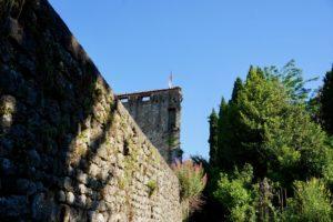 mura con torre del seminario pescia