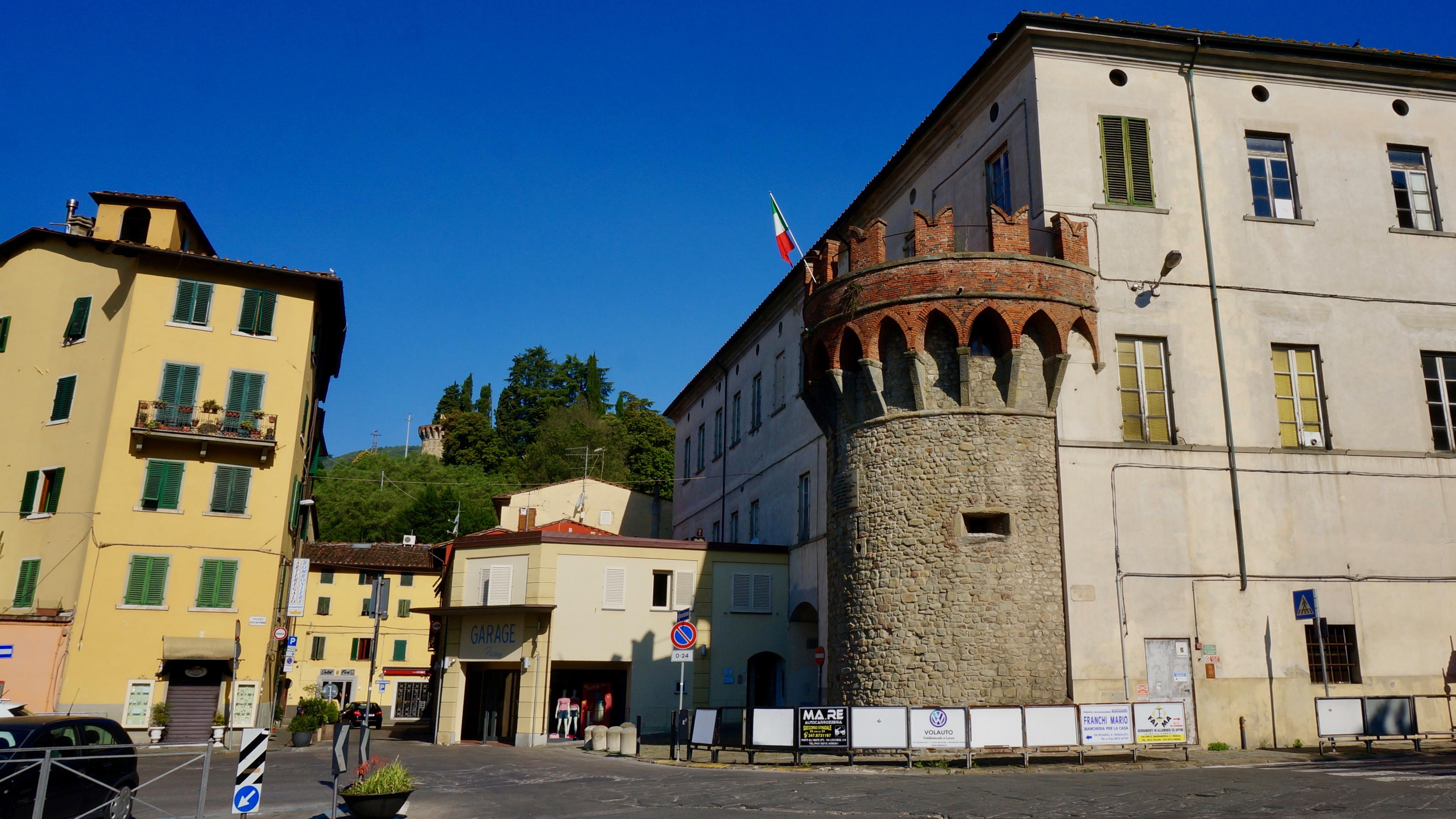 torre piazza xx settembre mura di pescia