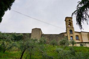 mura chiesa campanile castello pescia