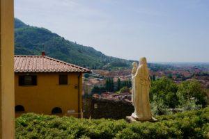 veduta statua verso Uzzano castello pescia