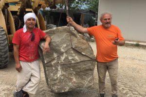 SILVIO con scultore simposio scultori cava nardini vellano pescia