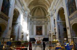 interno navata mostra presepi 2018 chiesa annunziata pescia