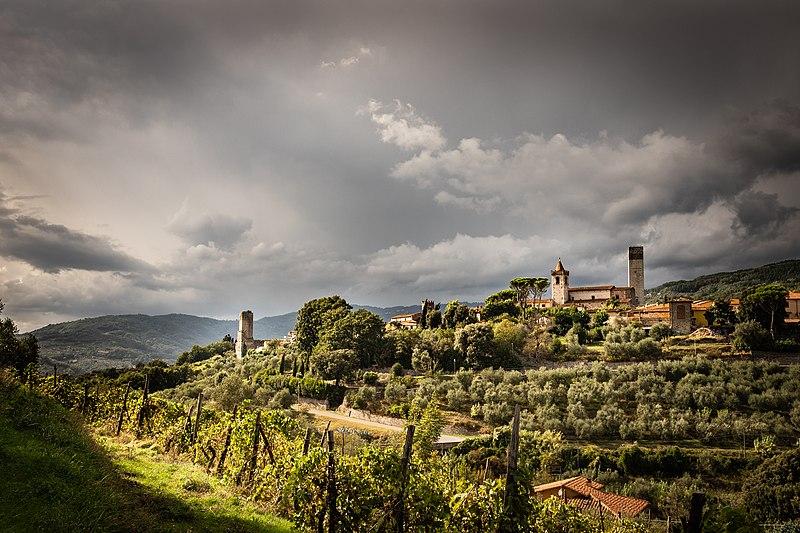 OSTERI Serravalle_Pistoiese_prima_della_tempesta wlm pescia