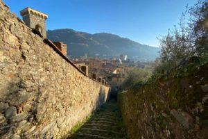 25 vista con campanile di Santo Stefano, campanile di San Francesco, Torre Civica e campanile SS. Annunziata