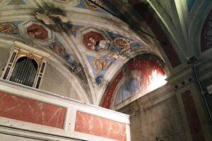 affreschi rovinati umidità Oratorio S.Maria vergine chiesa Aramo percorsi storici Birindelli Pescia