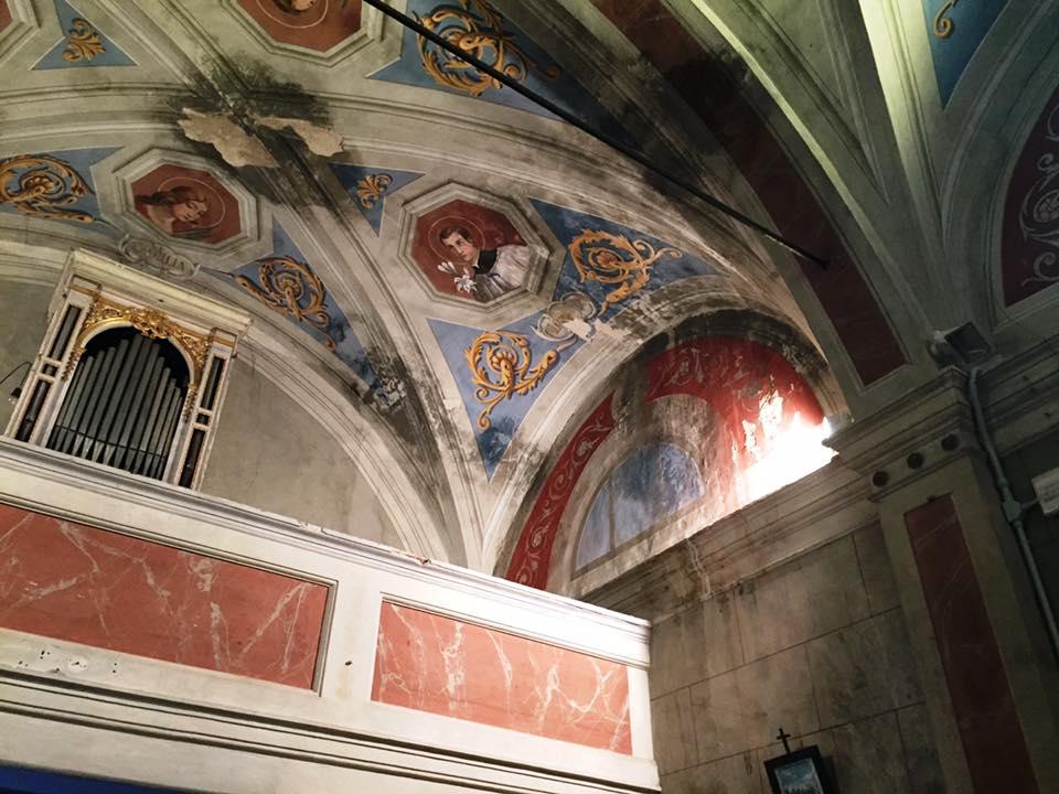 affreschi rovinati Oratorio S.Maria vergine chiesa Aramo percorsi storici Birindelli Pescia