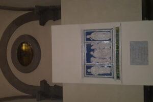 interno transetto laterale cattedrale trittico della robbia pescia
